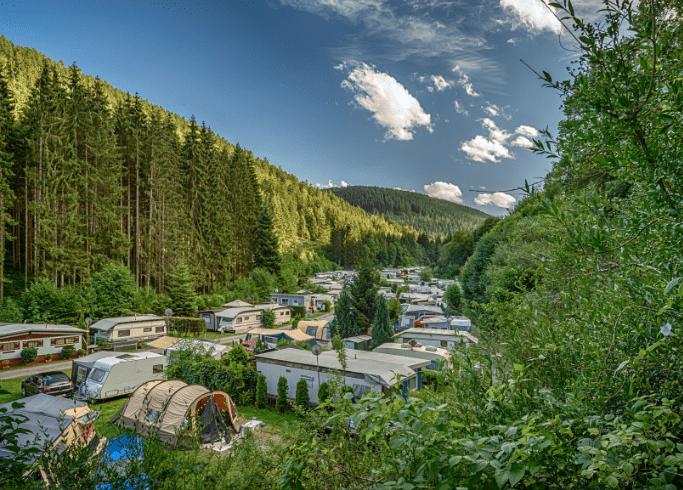 Stell- und Zeltplätze auf unserem Campingplatz von oben