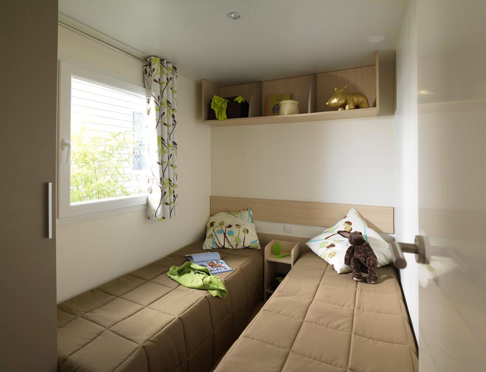Blick ins Kinderschlafzimmer in einem unserer Mobilheime